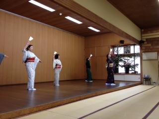 西川まさ子稽古.jpg